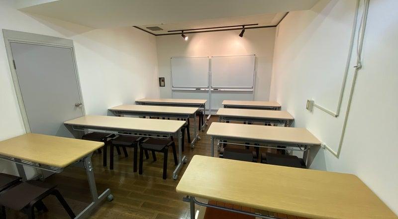 トップホスト エリア最安値 仙台駅西口パルコ2真裏! 332号室  15名標準 勉強などの貸しスペース