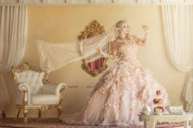 白雪姫の物語がモチーフの撮影スタジオ 王子様や七人のこびとのコスプレや仮装・キッズ&ファミリー撮影も の写真