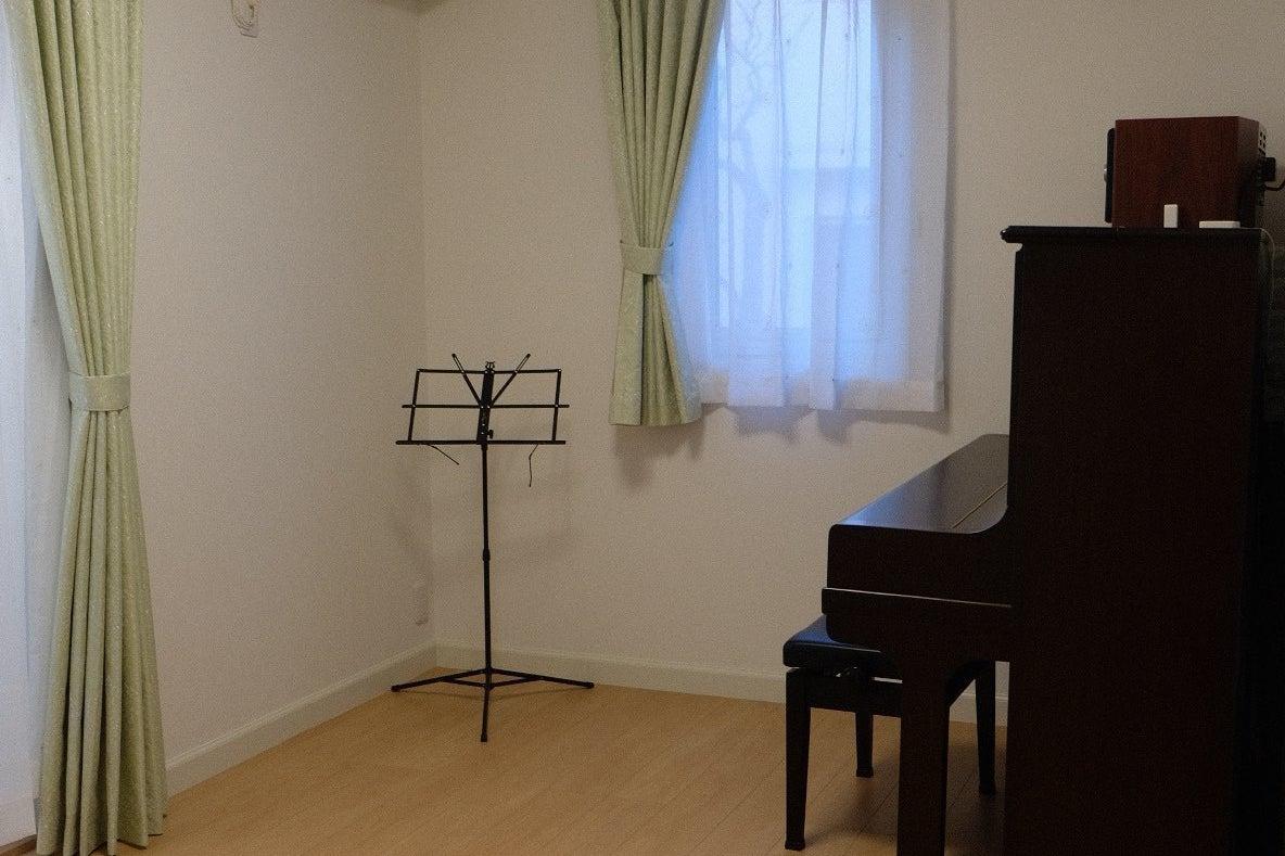 アップライトピアノ付き! 音楽練習室 の写真