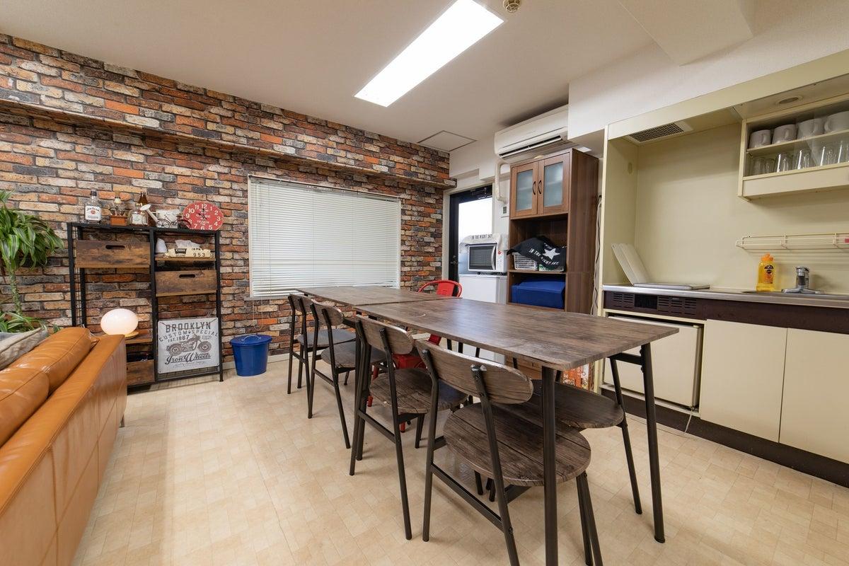 🎃秋割🍁実施中👑062_BricksParlor新宿三丁目駅1分✨🎮任天堂スイッチ🍳キッチン👨👩👧👦12名 の写真