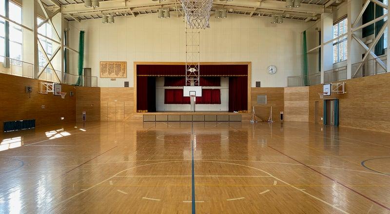 清里高原の体育館:清里高原の元小学校の体育館です。スポーツイベントや各種屋内イベント、撮影にご利用ください。