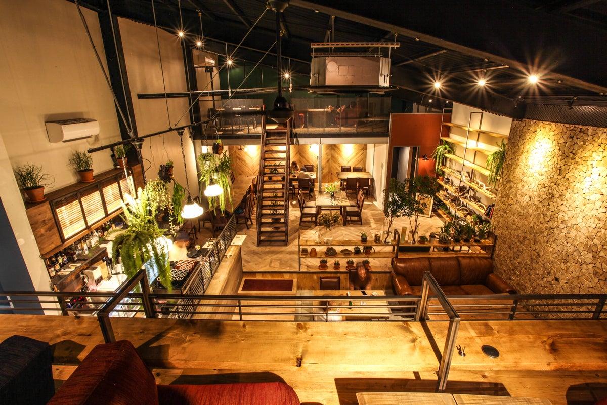 広々倉庫dining。使い方色々。撮影、会議、パーティー利用など。 の写真