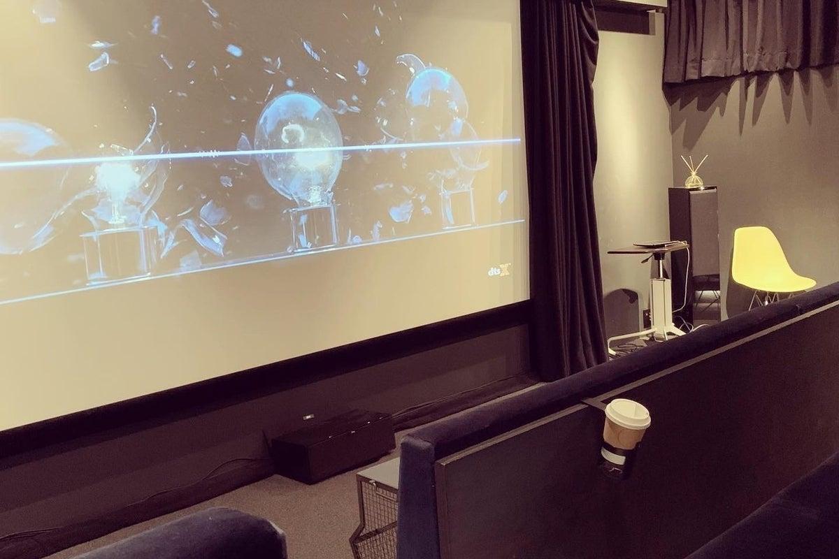 【 シアタースプラウト 】お洒落な映画館/最大30名収容/本格音響機材/ 高性能プロジェクター完備 の写真