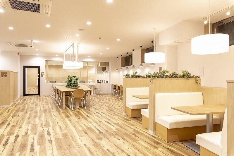 【町田駅徒歩4分】6名用会議室#Wi-F#電源#フリードリンク#コンシェルジュ#ホワイトボード の写真