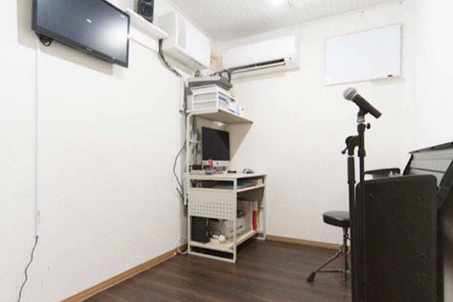 【88鍵電子ピアノ常設】1名〜3名様までご利用可能!楽器練習、リハーサル、レッスンにピッタリな防音スタジオ。 の写真