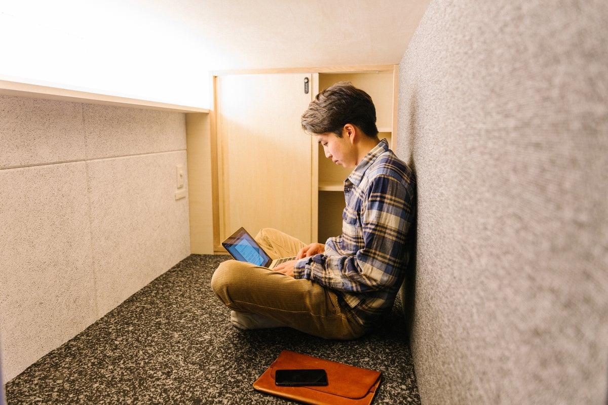 岩本町駅から徒歩7分!仮眠もできるコワーキングスペース!リモートワークに最適 の写真