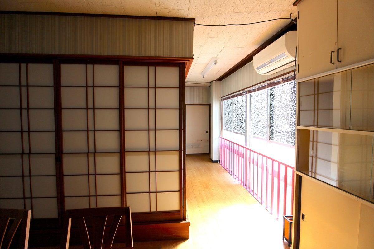 片町バス停から徒歩1分、金沢中心地キッチン付!テレビ会議・デイユース・ワークスペースやパーティ、飲み会に、映画鑑賞に。 の写真
