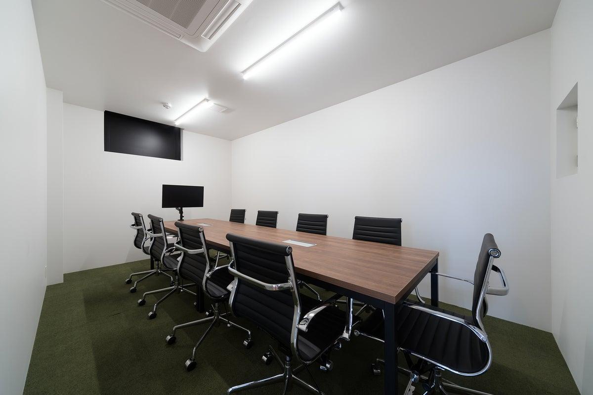 ★新築★ミーティングなどの用途に最適!ゆったりとしたチェアが揃うミーティングルームB の写真