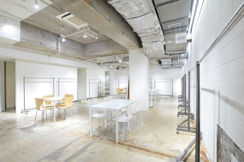 【B102】南船場のランドマークビルにある、心斎橋駅、本町駅すぐのレンタルスペース。【大阪市中央区】 の写真