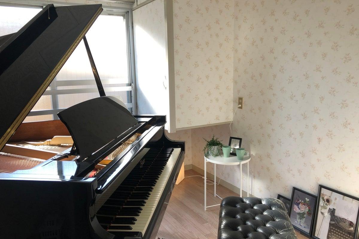 【音大近く】グランドピアノピアノ常設!楽器演奏・個人練習に♪ の写真