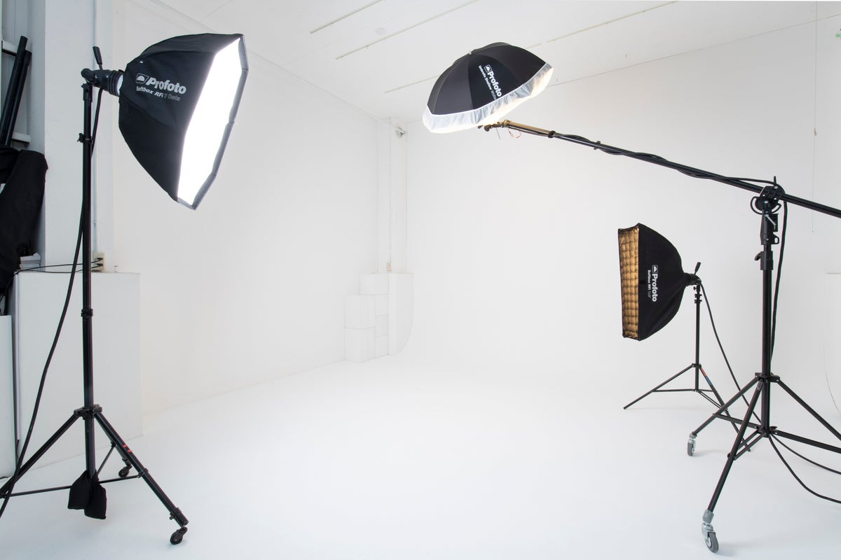 【レビュー投稿で¥5,000割引!】池袋エリアの白ホリスタジオ/要町駅徒歩3分/天井高3,6m、床面積80㎡の広々空間 の写真