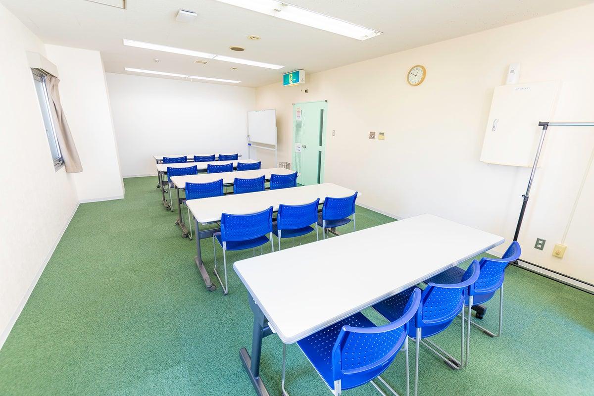 【高崎駅東口徒歩2分】会議・商談・セミナーにおすすめのスペースRoom4B FreeWi-Fi、共有部フリードリンクあり。 の写真