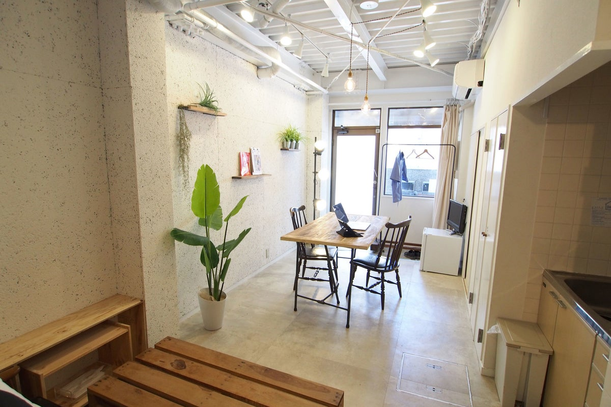 【中崎町徒歩3分 GHON 101】路面に面したワンルーム貸切。展示会、撮影、女子会に! の写真