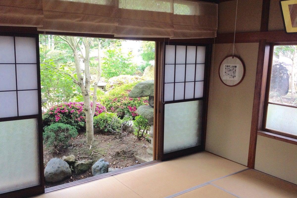 簡単な茶道の道具完備の8畳和室 の写真