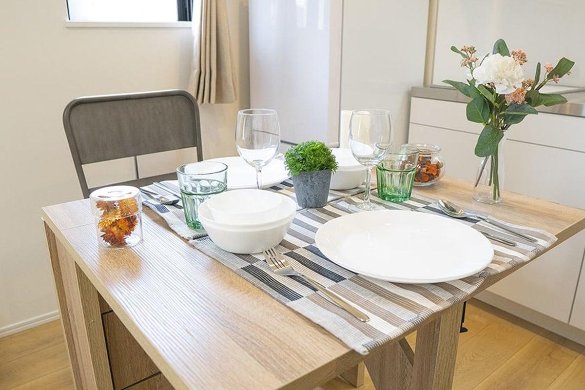 リモートワークスペース本所吾妻橋1 作業テーブルあり 便利な多目的スペース キッチン付きリビングダイニング貸切 の写真