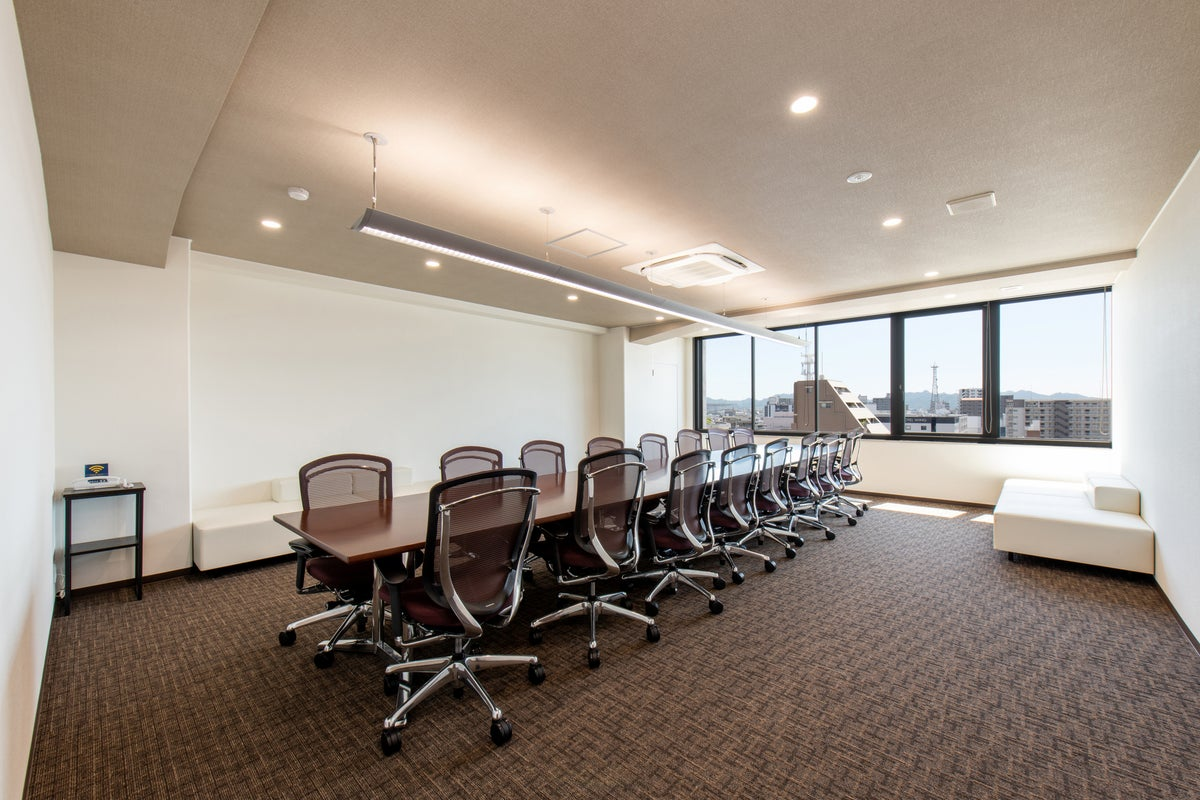 <ワンランク上の会議室>16名まで収容可!WiFi・有線回線完備★会議や打ち合わせに【901】 の写真