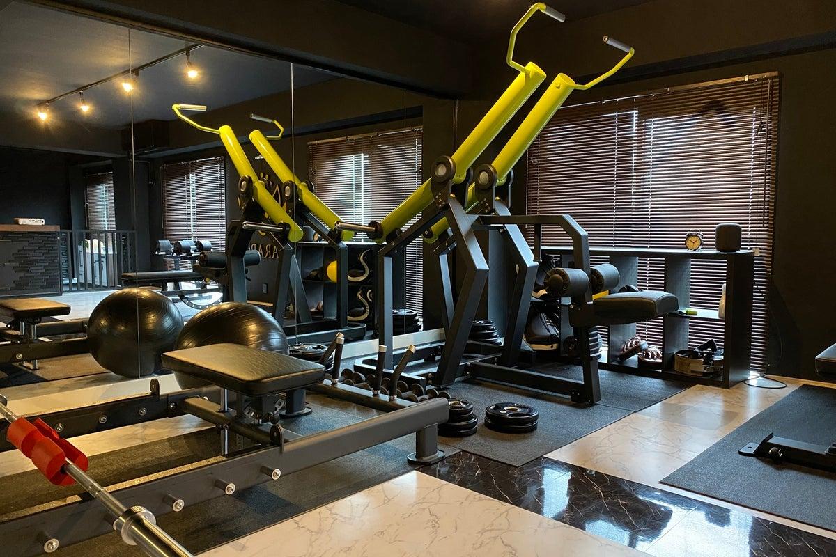 高級感のあるトレーニングジムスタジオで撮影会や食事会にどうぞ! の写真