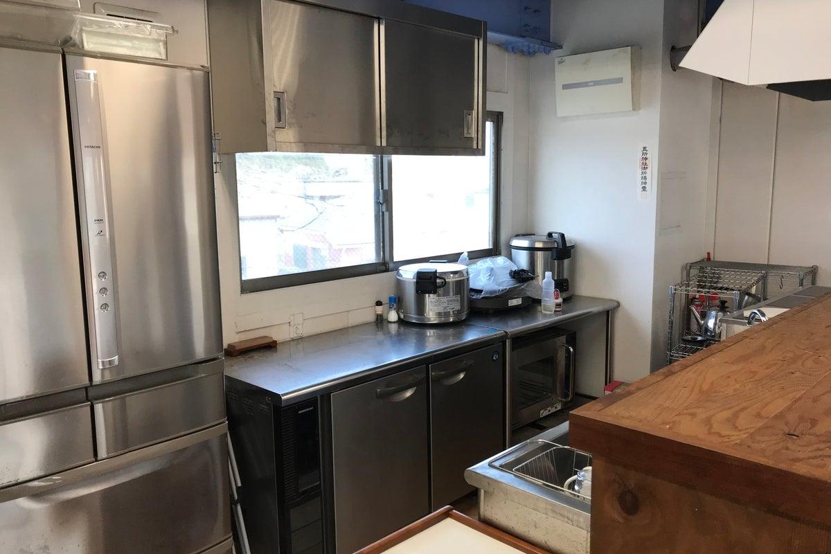 キッチン付きフリースペース!ヨガやシェアオフィス、会議用にご利用下さい! の写真