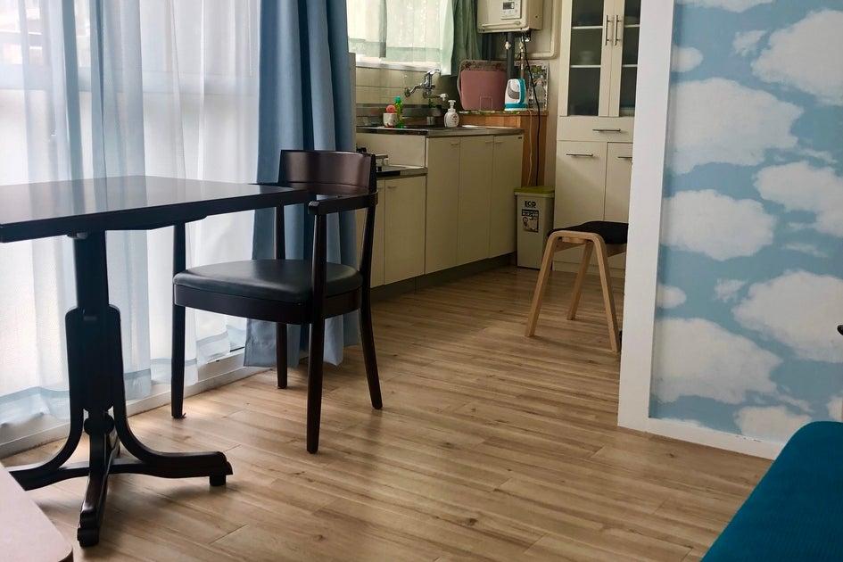 BLⅢ 窓が多くて明るく可愛いお部屋。食器、キッチン、姿見あり。テレワークにもコスプレにも   の写真