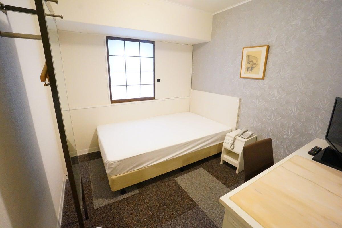 <ミニマルワークスペース新大阪No.6>ニューオーサカホテルの1室♪Wi-Fi無料/テレワーク/Web会議 の写真
