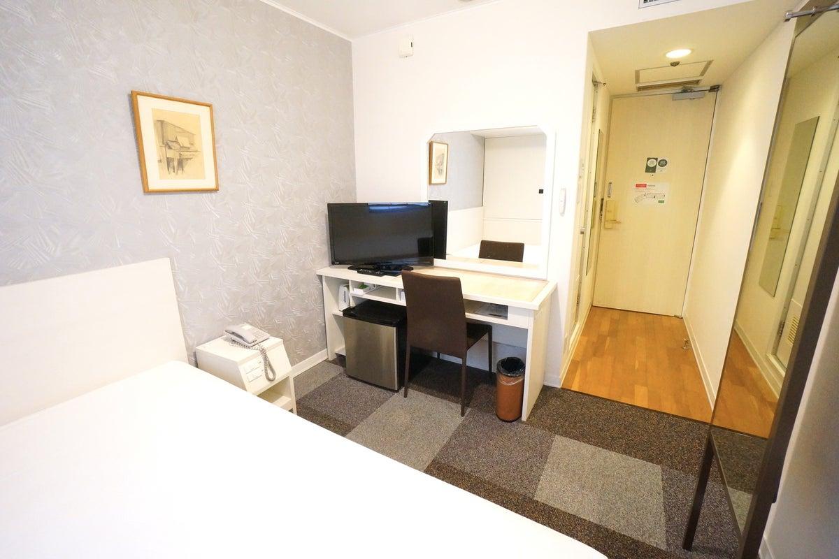 <ミニマルワークスペース新大阪No.13>ニューオーサカホテルの1室♪Wi-Fi無料/テレワーク/Web会議 の写真