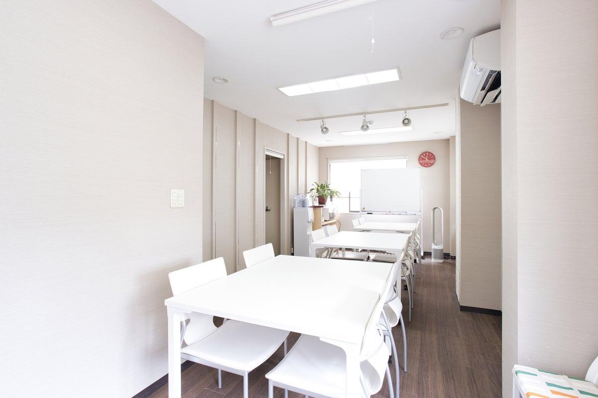 【品川駅徒歩5分】WiFi(高速光回線)・プロジェクター・ホワイトボード完備!明るく、静かな完全個室です。 の写真