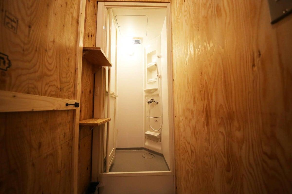 JR奈良駅前のゲストハウスの個室。女子会・誕生日会・ママ会・撮影・会議などに(E) の写真