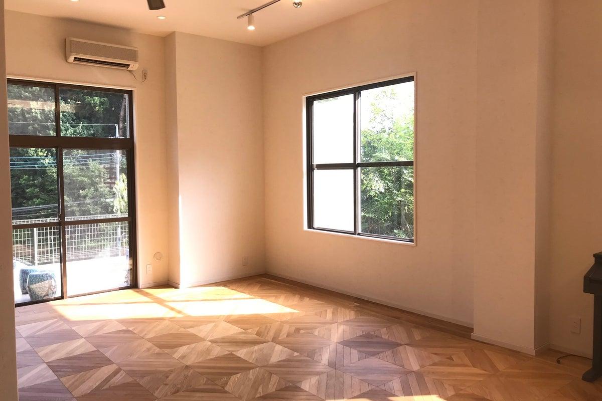 天井高い3.2m 広々55㎡ テラス30㎡付 スタジオオープン! 撮影、ヨガ、料理可、庭付き! の写真