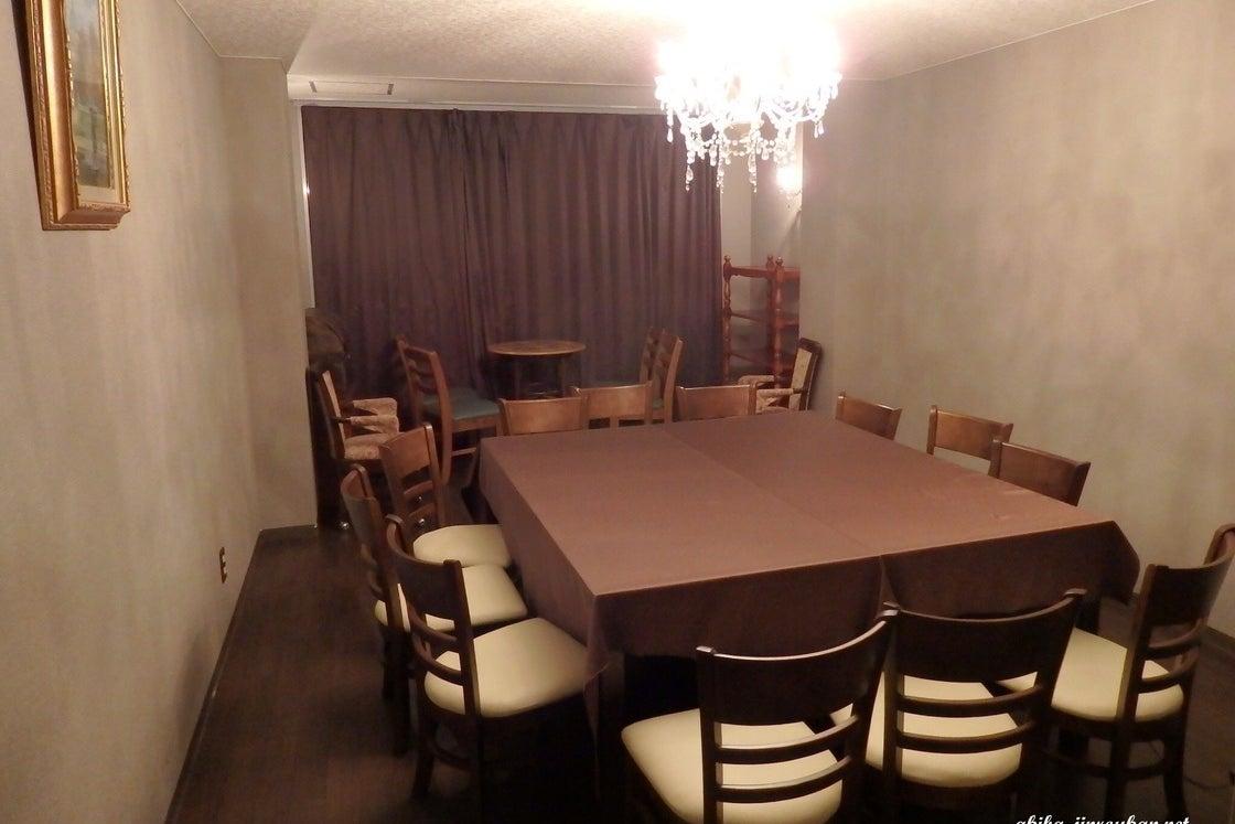 【アキバ人狼館】クラシックな雰囲気の無人個室ゲームスペース。 の写真