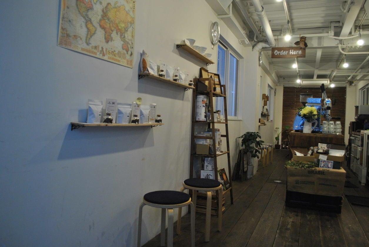 神戸元町・栄町 裏路地にあるカフェスペースを1棟貸切 個展・セミナー・ライブイベントに(ROUND POINT CAFE) の写真0