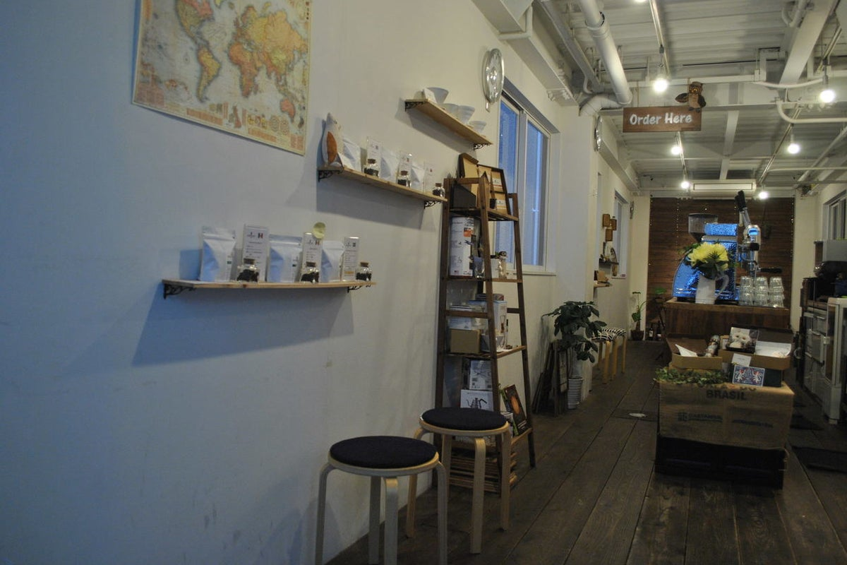 神戸元町・栄町 裏路地にあるカフェスペースを1棟貸切 個展・セミナー・ライブイベントに の写真