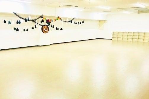 「伊丹駅」西口から徒歩5分・鏡張りのダンスやレッスンに最適なスタジオです の写真
