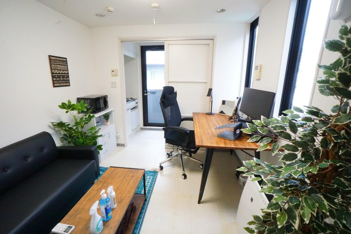 <博多南テレワークスペース701>明るい完全個室✨光回線Wi-Fi/モニターあり!リモートワーク/Web会議,面接 の写真