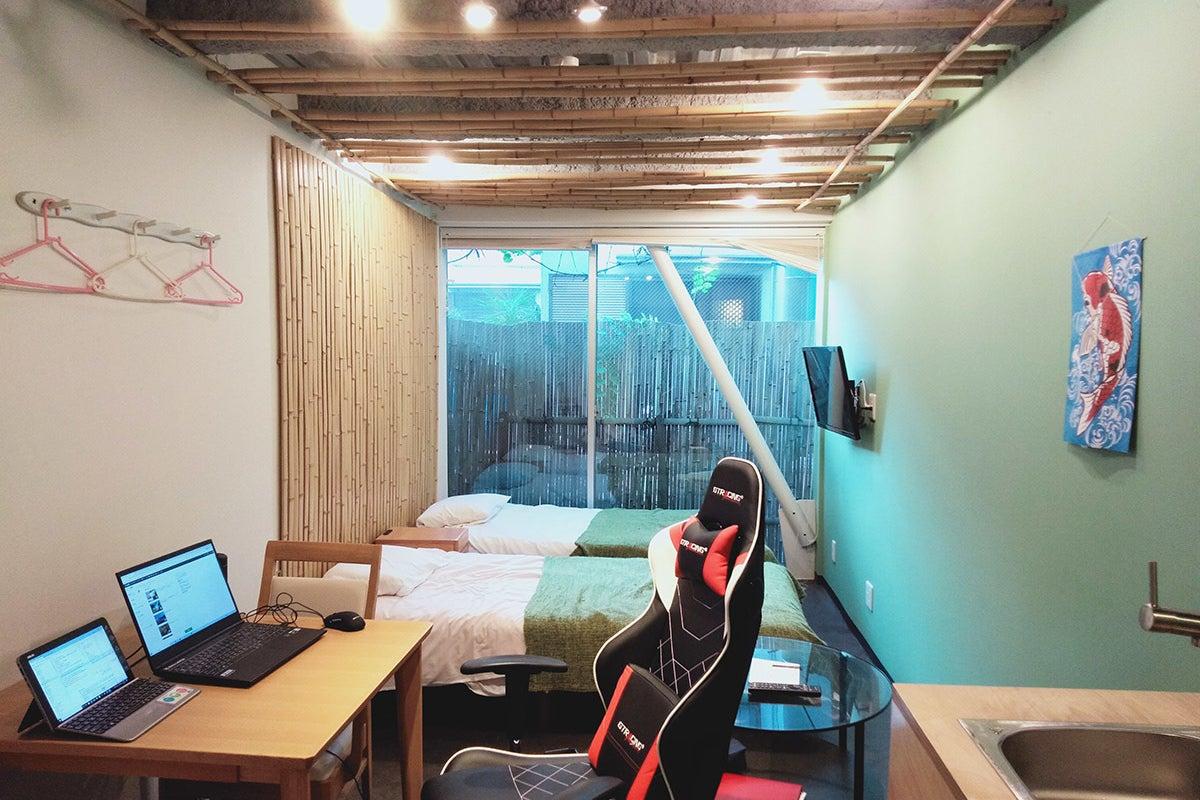 リモートワーク、ワーケーションに最適、都心と空港のアクセス抜群な隠れ家的スペース の写真