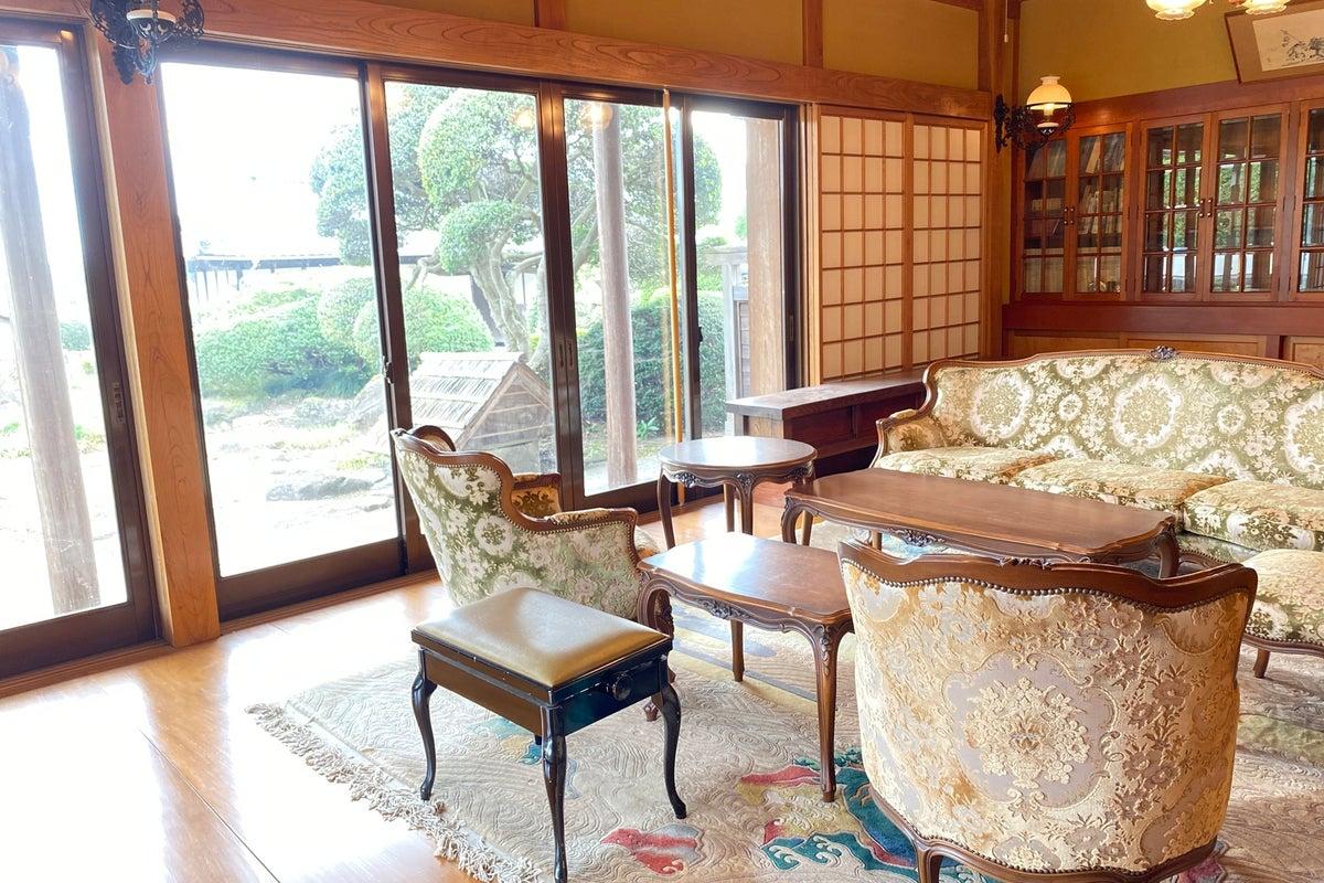 純和風家屋、和洋館風インテリア!部屋前は和園、写真撮影や作品展覧会に最適! の写真