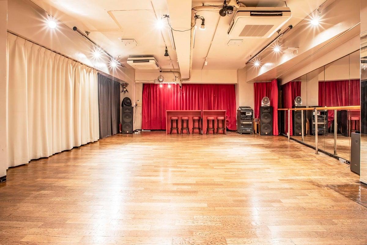 ダンスレッスンや練習、ワークショップ、会議、撮影などに最適な空間です。 の写真
