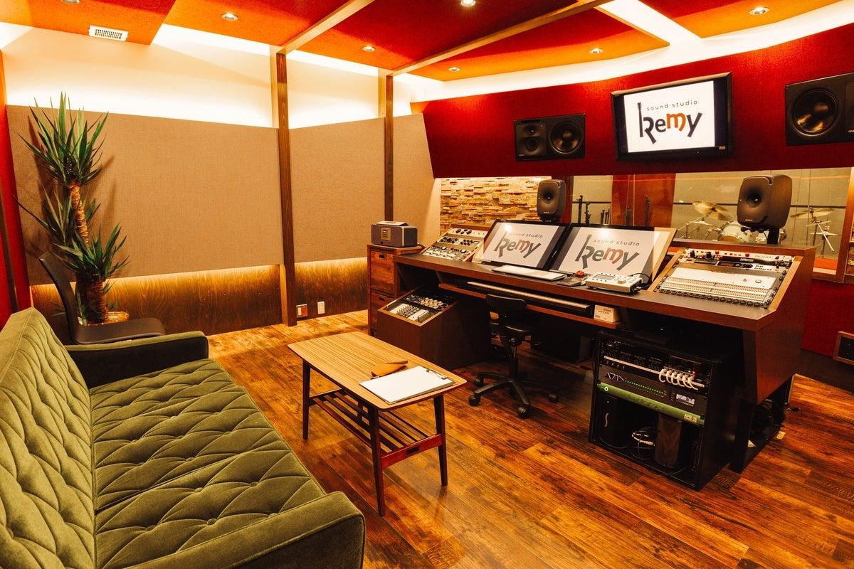 レコーディングスタジオリハーサルスタジオ、バー完備 | スペース ...