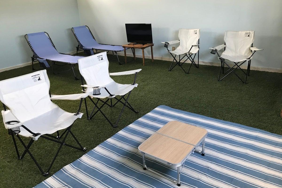 屋内で安全にキャンプ気分、駐車場無料! の写真