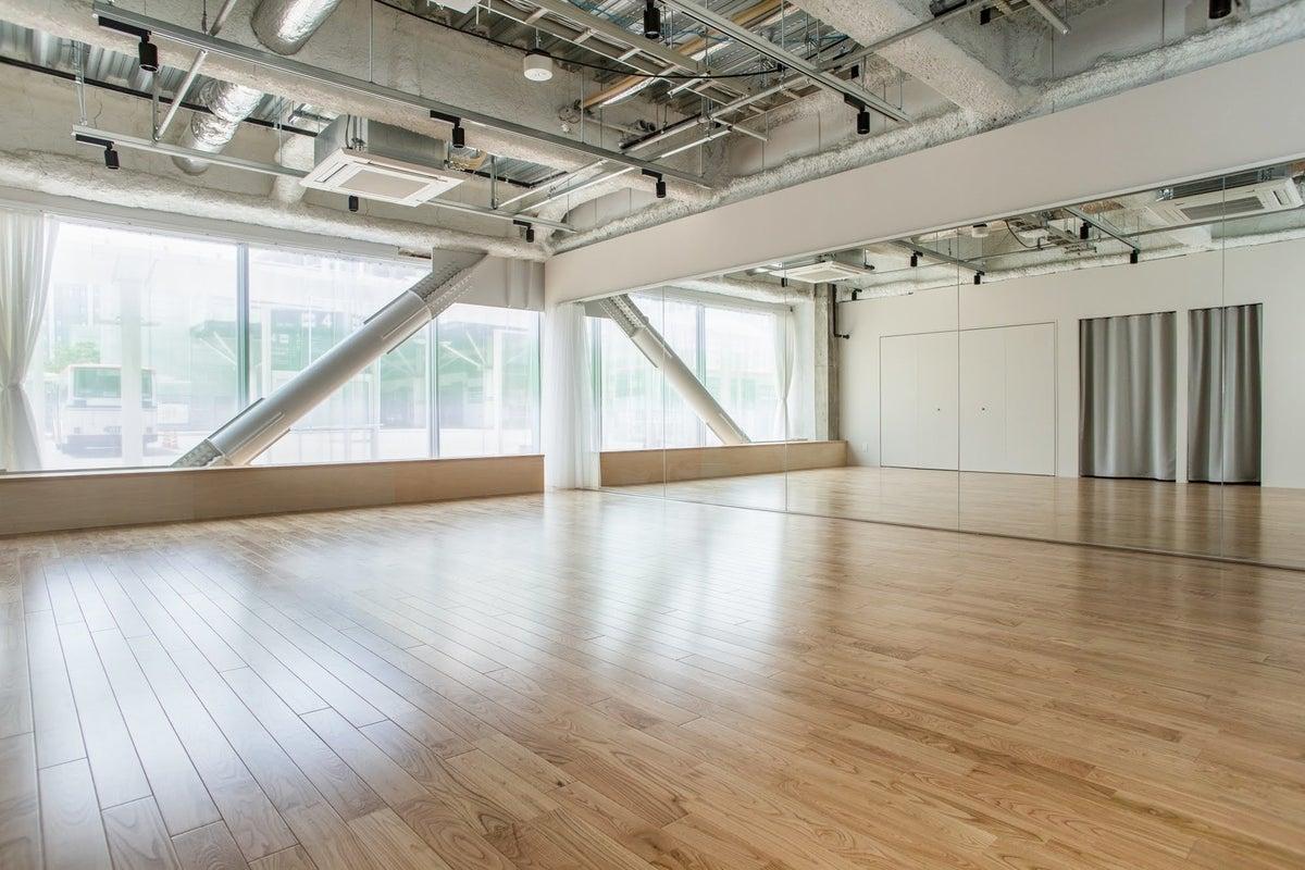 【新潟駅直結】STUDIO/ヨガやダンスのレッスン、トークショーに。 の写真