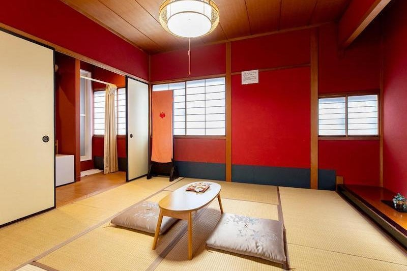 金沢駅から徒歩5分。トイレシャワー付き個室で、和室でのんびりデイユース、テレワーク、面接や動画撮影、簡単なクッキングに! の写真
