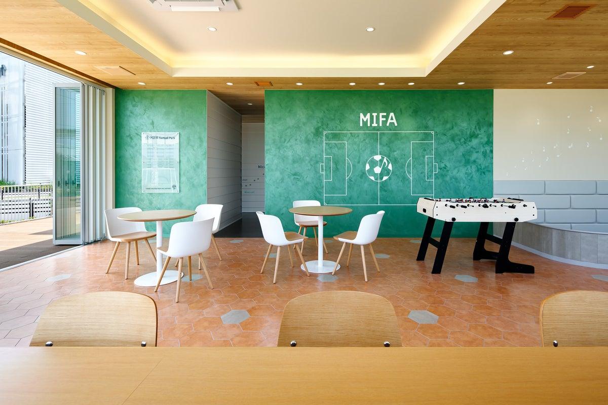 テラス付きイベントスペース キッズスペース完備でワークショップや懇親会、企業イベントにも の写真