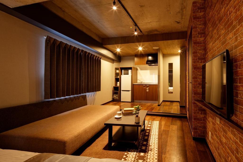 【e-stay namba(B)】ご好評によりスペース追加★完全個室★寛ぎ空間★家具家電あり★駅徒歩3分の好立地♪ の写真