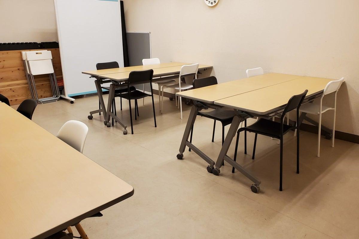 鷺沼駅徒歩2分だからカルチャースクールに最適!! Wi-fi完備で会議やセミナーに! マット完備なのでパーソナルヨガまで対応! の写真