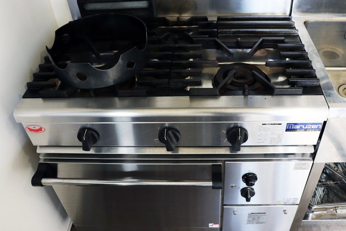 デリバリーキッチン ・ゴーストレストラン・料理教室などでご利用いただける業務用厨房設備充実のスペースです。 の写真