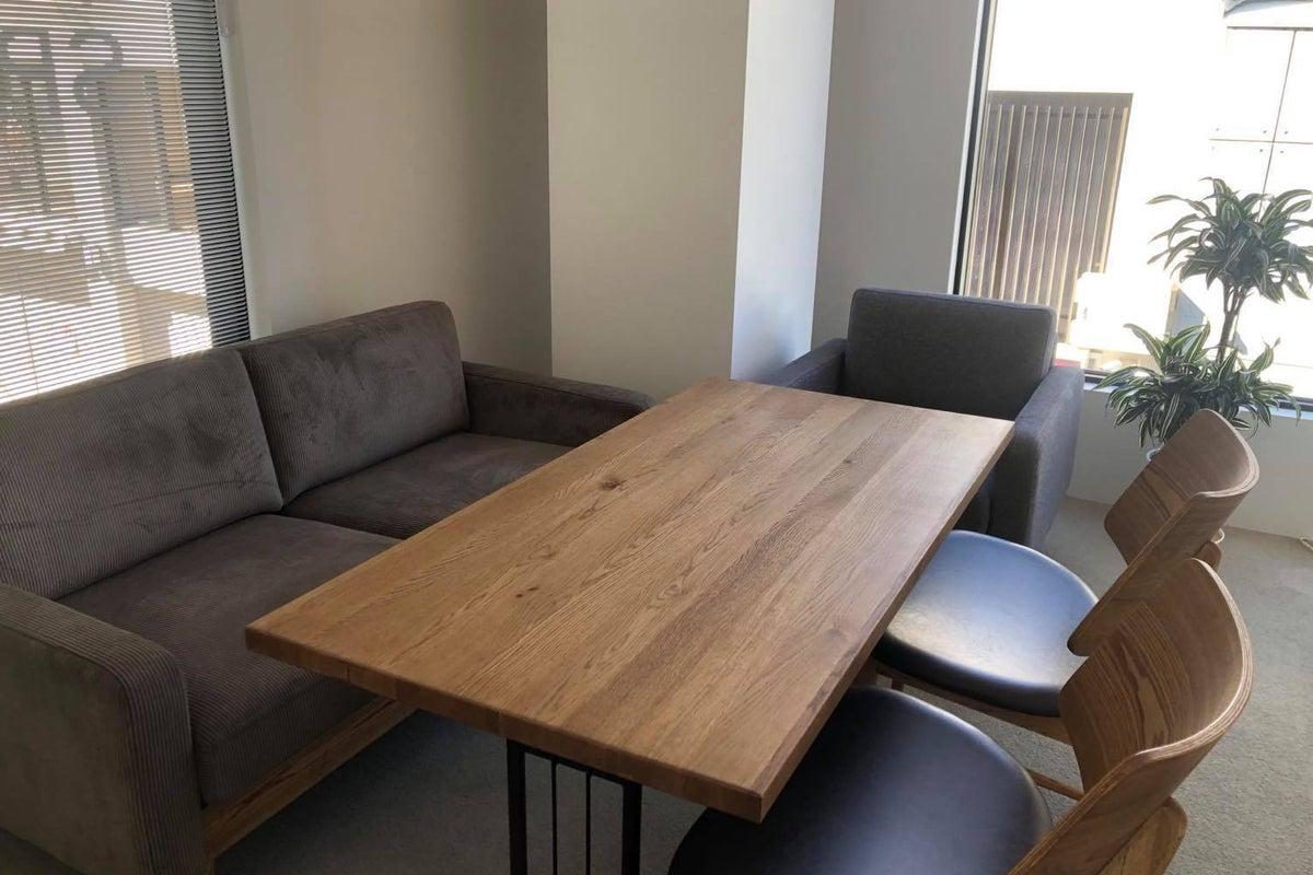 打合せやWebミーティングに最適!いちまる家具のインテリア設置ルーム の写真