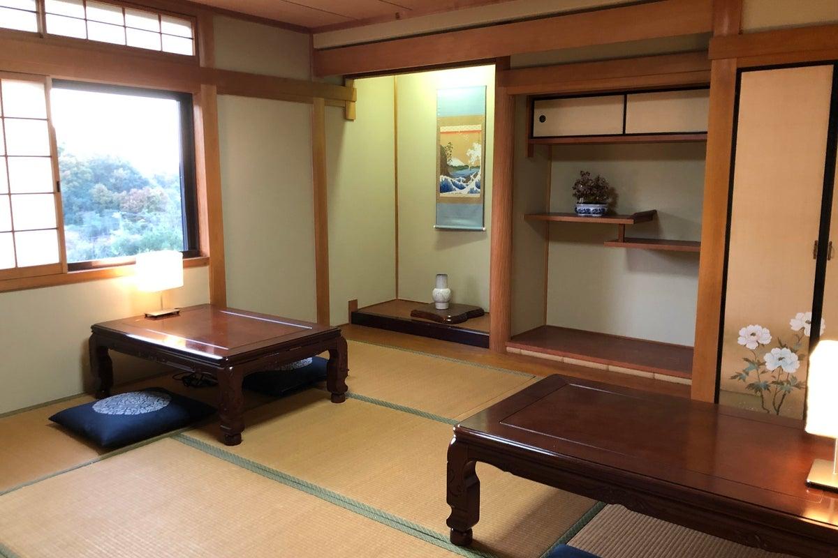 #23有馬温泉で個室で三密対策!1グループ、ファミリーで寛げる静かな和空間(8畳間)、24時間テレワークスペースとしても! の写真