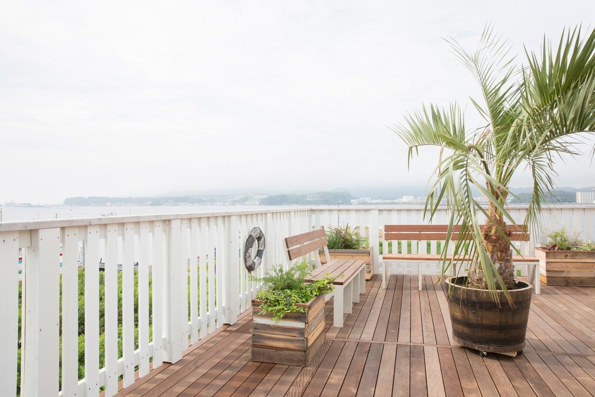海を眺める、400㎡以上の大型施設!!商品撮影、ポートレート撮影&イベント会場になどに最適☆ の写真