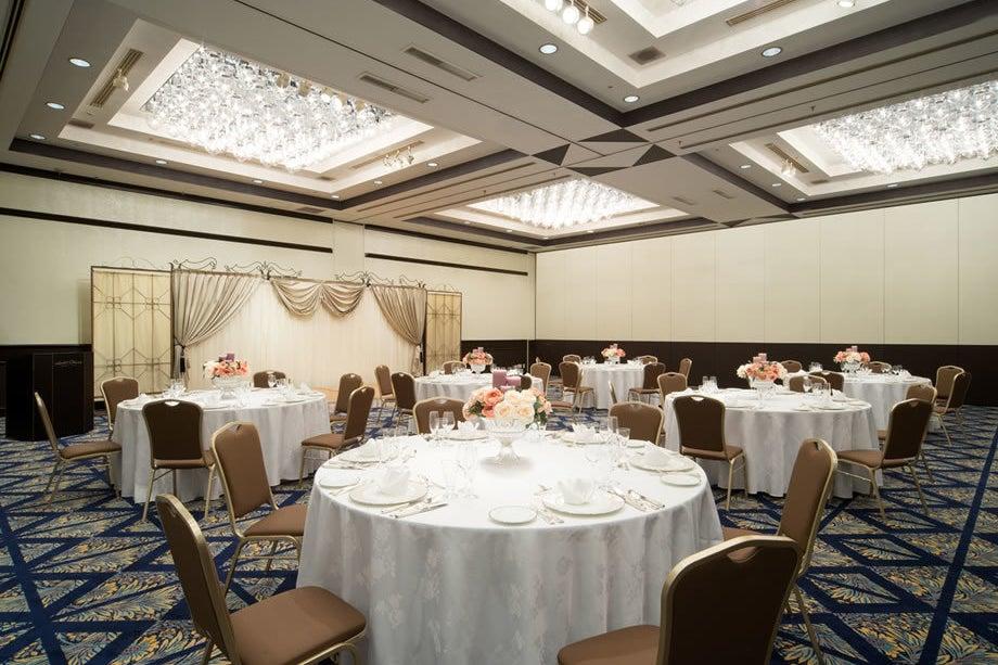 【舞浜】エレガントな雰囲気が味わえる空間。ラグジュアリーをテーマにしたパーティにいかがですか?(ヴィクトリアルームC) の写真