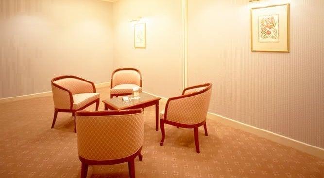 【舞浜】ゆるやかな時間が流れる落ち着きのあるお部屋。少人数でのご会食、立食パーティにオススメ!!