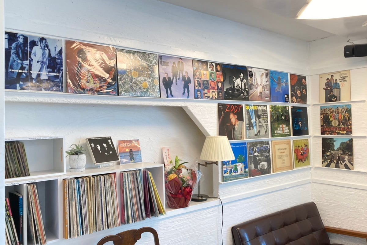 バーカウンター付き カフェスペース レコード DJセットあり ギターやベースなどのLIVE演奏も可!youtube 撮影 にも! の写真